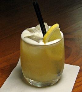 whisky sour con limón
